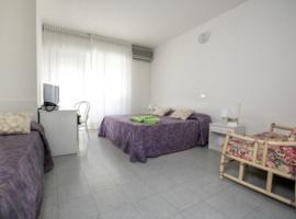 Dreibettzimmer ohne Küche mit Früstück